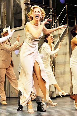Sutton Foster, Laura in the background:) I had the amazon opportunity see the both in this life=changed