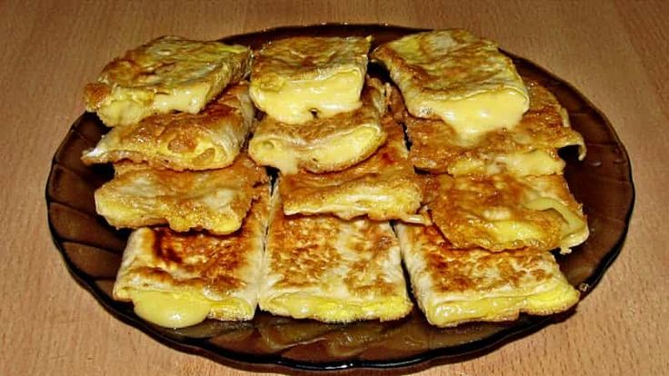 Tésztába tekert  sajt 7 perc múlva meglepően finom