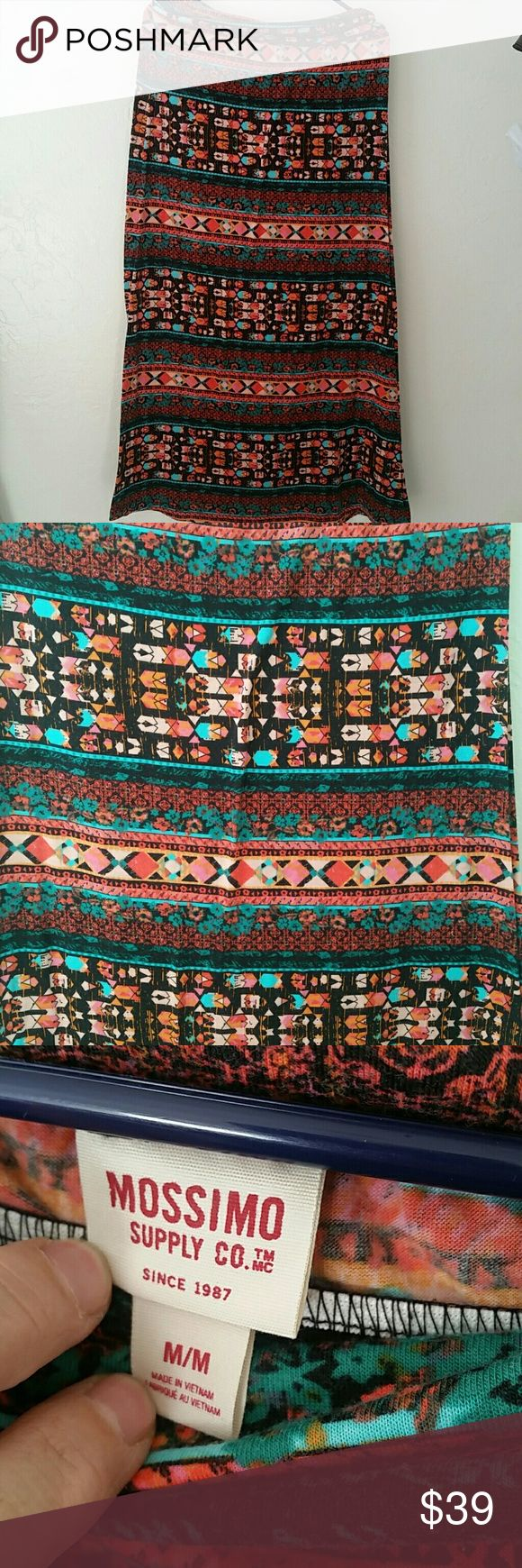 """Tribal maxi skirt..size M💕💕 Really pretty 💕🎁🎁🎁 Measures approx 16 x 32"""" long Good condition Mossimo Supply Co Skirts Maxi"""
