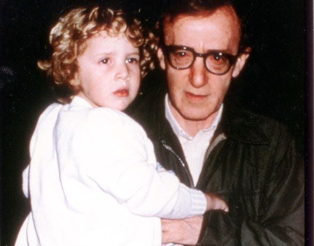 «Μου ψιθύριζε ότι είμαι καλό κορίτσι...» - Η συγκλονιστική εξομολόγηση της υιοθετημένης κόρης του Γούντι Αλεν για την σεξουαλική κακοποίηση