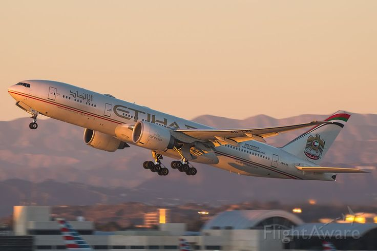 Photo of ETD Boeing 777-200LR/F (A6-LRE) ✈ FlightAware