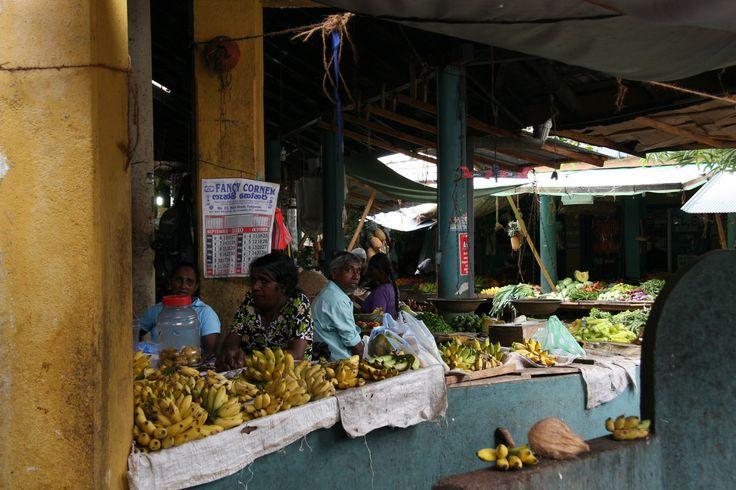 Lokale markt in Tangalle. www.namaste-reizen.nl/rondreizen/srilanka