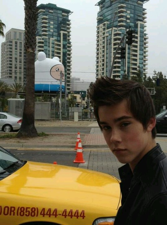 Jeremy shada. He's so attractive.