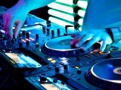 DJ Chento - wonna - allround- house- top40 -R&B - Moombahton