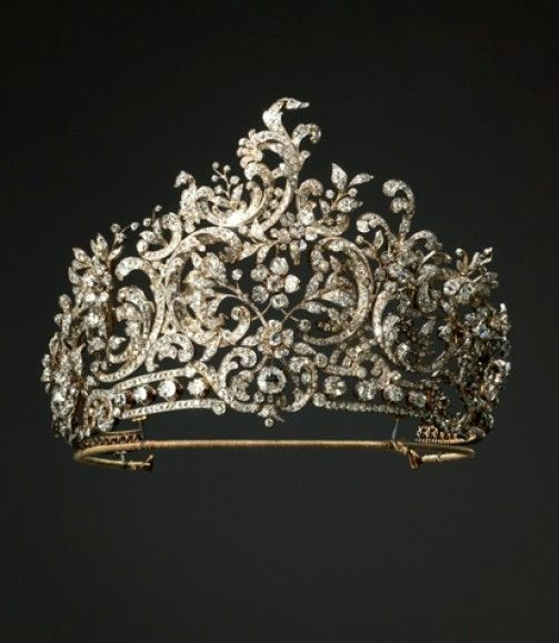 """Queen Charlotte of Württemberg's Diamond Tiara. Made for Queen Charlotte, the second wife of the last Württemberg king, Wilhelm II (r. 1891-1918) by the Stuttgart court jeweler Eduard Foehr in 1896 in the rococo style. Can be dismantled, and the sections worn as brooches or hair ornaments. On display in the Collection """"LegendäreMeisterWerke"""" in the Old Palace."""
