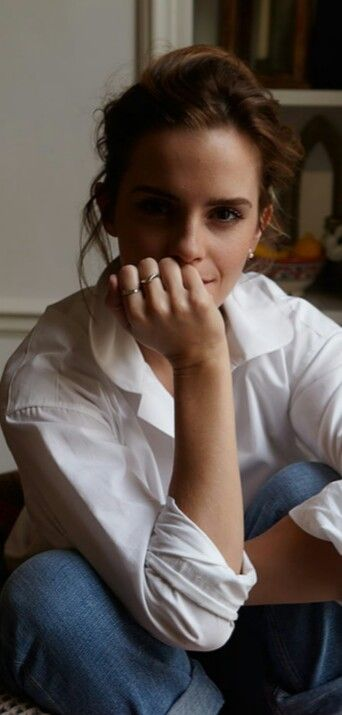New outtakes of Emma Watson by Olivia Richardson taken at her London home. Pinned by @lilyriverside