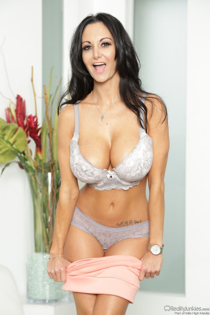 pics of ava adams