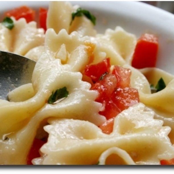 Pasta alla Checca  #pasta #primi #pastaallachecca #pomodorini