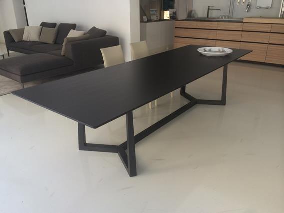 Tavolo Flexform quotJiffquot ebano nero da 3 metri Linee  : 48c053ad2724157a11dc6fe7be783ca5 flexform dining tables from www.pinterest.com size 568 x 426 jpeg 18kB