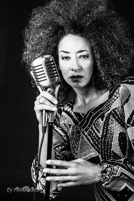 Eline Gemerts, promotional shoot jazzsinger from the Netherlands