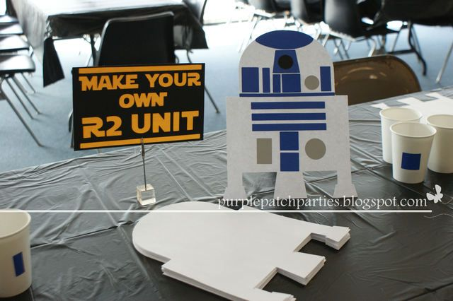 Make your own R2D2 at a Star Wars party #starwars #r2d2