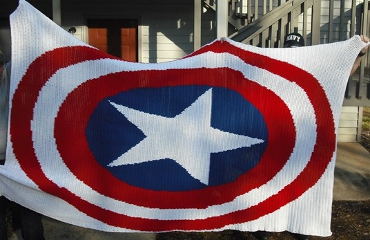 Captain America Knitting Pattern : Captain America blanket My knitting and crocheting Pinterest Blankets, ...
