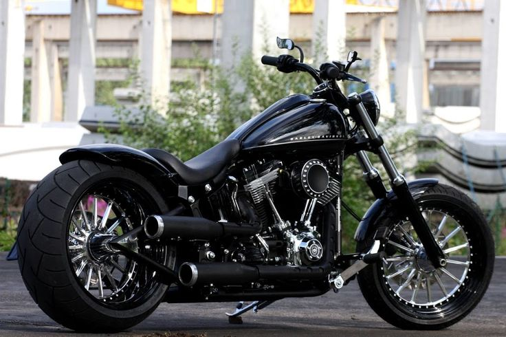 #harleydavidson #thunderbike custom Softail Blackline project with our Thunderbike Spoke wheels, Fender-Kit, Swingarm & Aircleaner.