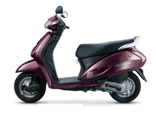 Honda Activa Prices shown here are indicative prices only. The Honda Activa Ex-Showroom price range displays the lowest approximate price of Honda Activa bike model throughout India excludes tax, registration, insurance and cost of accessories. For exact prices of Honda Activa, please contact the Honda Activa dealer.
