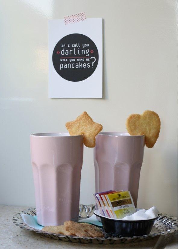 hmmm, koekjes bakken... met deze vormpjes kun je ze aan je kopje hangen. Elk koffie/thee moment een feestje!