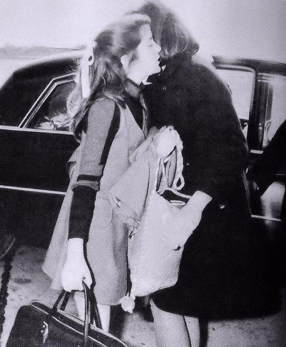 1969: Caroline and Jackie.