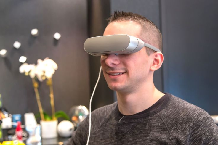 LG 360 VR - kit-ul de realitate virtuală ce te va cuceri .   Duminică la evenimentul WMC 2016 din Barcelona, LG a lansat nu doar smartphone-ul LG G5 și LG 360 cam, ci și ochelarii pentru realitatea virtua... http://www.gadget-review.ro/lg-360-vr/