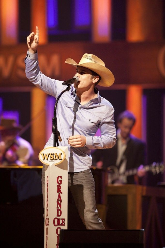 Dustin Lynch Steps Into The Grand Ole Opry Circle Making His Debut