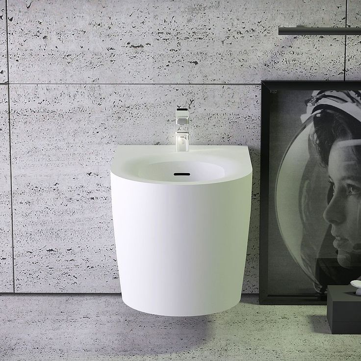 Based in Germany, Knief & Co is a leading name in the stoneware and ceramics industry. They have recently launched K-Stone, a range of freestanding baths, basins and WCs in a velvety matte or high gloss finish, exclusively available from C.P. Hart. With bold geometric outlines and strong industrial influences, the contemporary yet refined K-Stone reflects current bathroom trends.