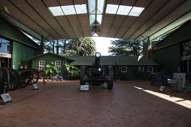 Field guns range from World War One and World War Two.  http://citysightseeing-blog.co.za/2014/06/07/ditsong-national-museum-of-military-history-johannesburg/