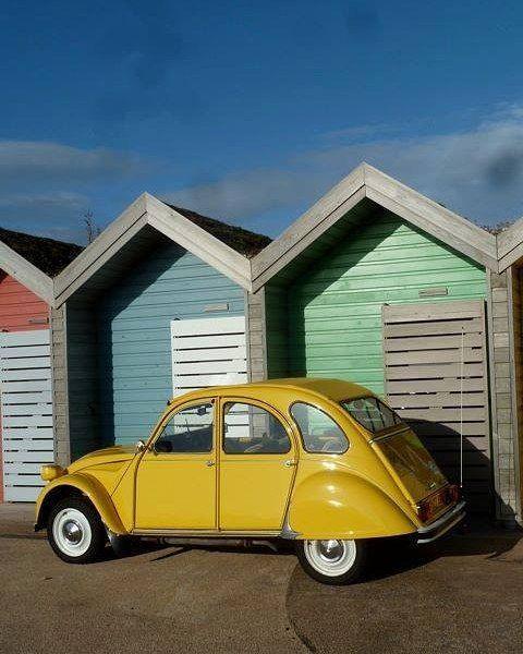 #2pk #2cv6 #2cv #belgium #meeting #citroen #citroën #classic #classiccar #oldtimer #vintage #retro #602cc #snail #lowered #french #frenchclassic#tb #doublechevron #deuche #nikon #nikkor #nofilter #picoftheday #aircooled #colors #yellowlights #citroenfanphoto #deuche #mehari#2015