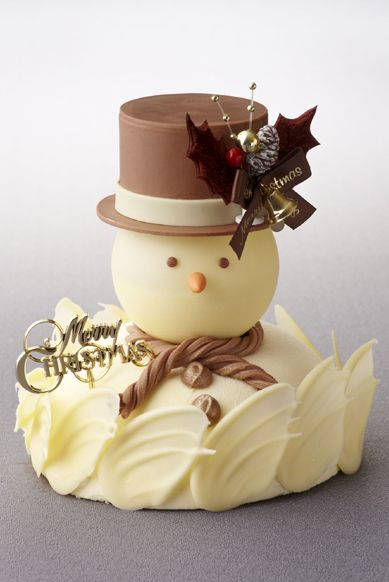 what a fun Christmas cake Snowman cake
