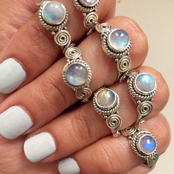 Delicata Cute Rainbow Moonstone Dainty 925 argento anello di impilamento / Midi Moonstone Anelli / Stack anello argento / piccoli Moonstone Ring