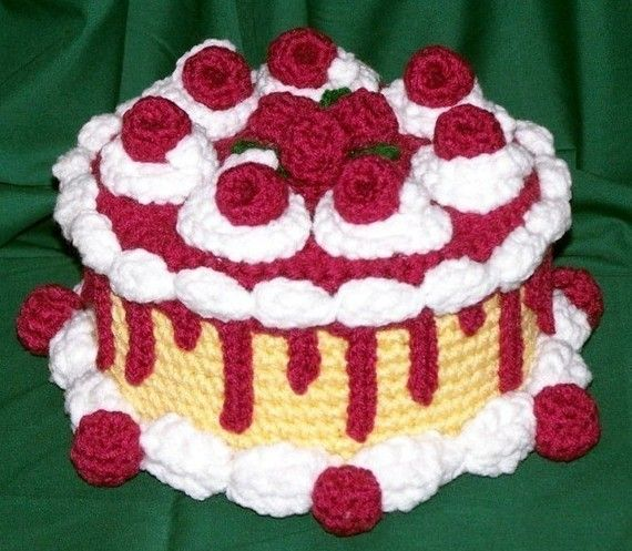 Raspberry+Caramel+Treasure+Cake+PDF+Crochet+por+FourBeesDesigns,+$4.95