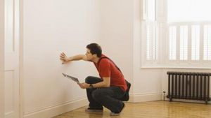 How to Clean Scuff Marks From a Flat Painted Wall | eHow