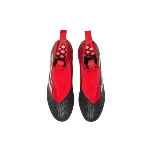 ACE 17+ Purecontrol  reutiliza Primeknit Falcon zapatos de fútbol de color rojo y negro icónica. La parte delantera del zapato es de color negro, la segunda mitad es de color rojo, tres barras de plata exterior. La nueva generación anterior Adidas Adidas ACE 17+ Purecontrol Botas De Futbol Rojo Plata Negro Sala con características similares, han adoptado ningún diseño de encaje. La ve