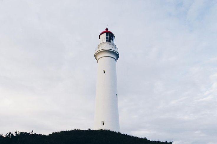 Split Point Lighthouse #passionpassport #vscocam #vsco #mextures #travel #seegor #seeaustralia #visitvictoria #visitgreatoceanroad #visitmelbourne #greatoceanroad by hannazuijderduijn