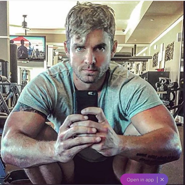 "63 Likes, 8 Comments - Here To Support Brett Young (@country_fan_86) on Instagram: ""#mondaymotivation Brett's caption for this photo was BEDHEAD GYM SELFIE #wokeuplikethis…"""