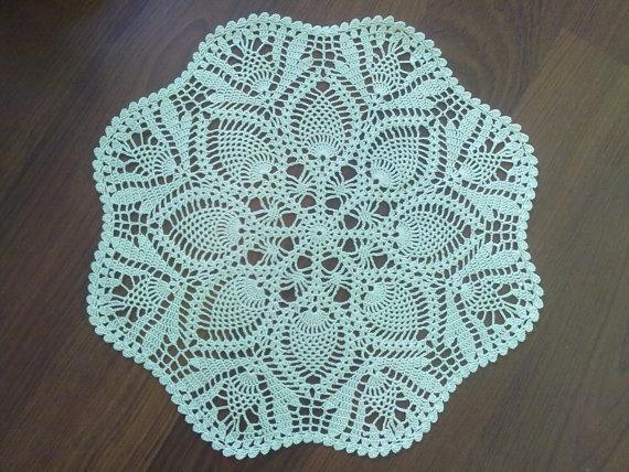crochet doily pineapple ecru classic lace crochet home decor lace crochet pinterest. Black Bedroom Furniture Sets. Home Design Ideas