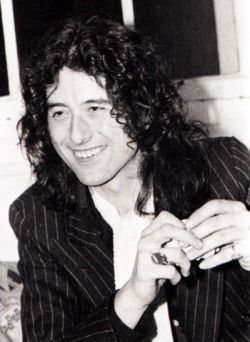 Jimmy Page, Swang Song Records, London. March-April, 1976.: