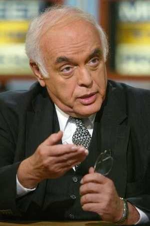 Robert Novak, American journalist and commentator (b. 1931)died on August 18, 2009Robert Novak, Auguste 18, News Journalist, 2009 Captions, American Journalist