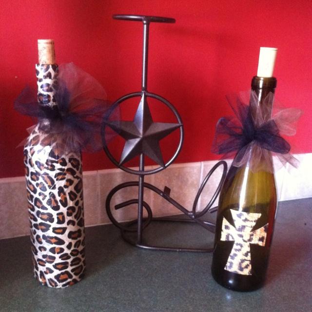 Used Wine Bottles Turned Into Decorations/flower Vases