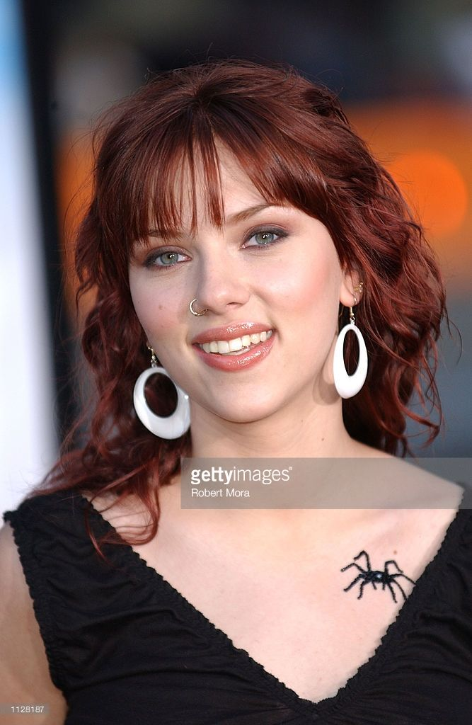 Actress Scarlett Johansson attends the world premiere of  'Eight Legged Freaks' at Grauman's Chinese Theater on July 16, 2002 in Hollywood, California.  Thie film opens nationwide in theaters on July 17, 2002.  (Photo by Robert Mora/Getty Images)