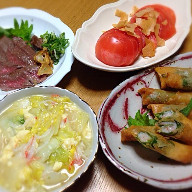 今日は3人の好きなモノを晩御飯に作ってん⤴️ パパさんはお肉、私はエビ、次女はトマト。みんなが好きなトモコちゃんの冬瓜のんを白菜で。ちょっと贅沢してしもたわ(笑)  牛肉のステーキ エビの春巻き トマトスライス トモコちゃんのん  トモコちゃん、これホンマに簡単美味しい ありがとう〜 - 219件のもぐもぐ - Tomoko Itoさんの料理 玉子豆腐とカニカマ使って簡単うまうまあんかけ冬瓜♥を白菜で by tanuko