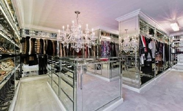 Mirrored Huge Dressing Room Luxury Walk In Closets