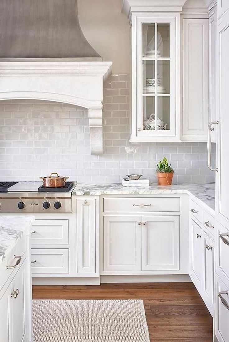 9+ Lovely White Kitchen Cabinet Design Ideas kitchendesign ...