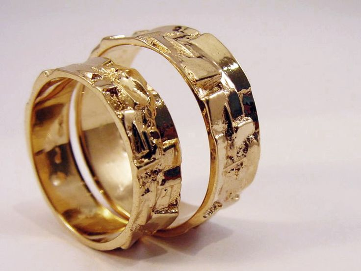Edelsmid Ton van den Hout trouwringen