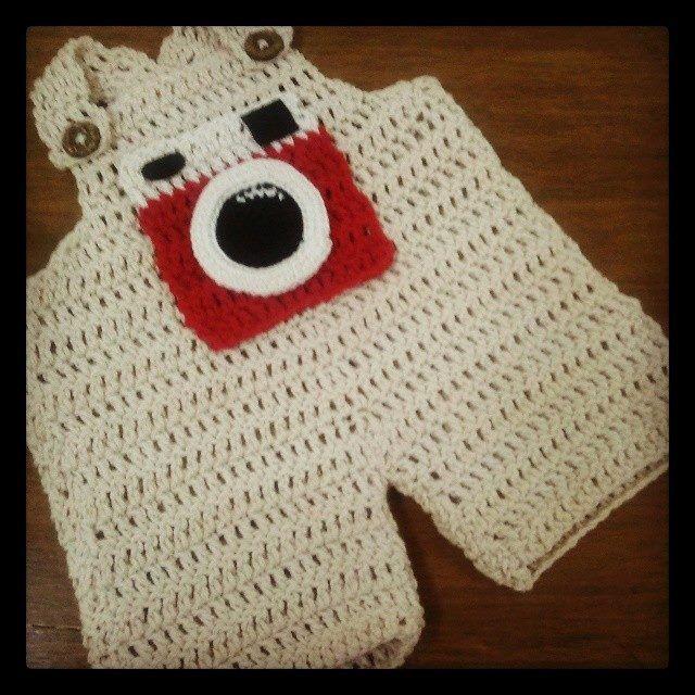 Jardinera de bebe a crochet / Crochet baby romper #camera #red #instagram Visit www.facebook.com/hilaria.hechoamano pedidos y consultas hilaria.hechoamano@gmail.com