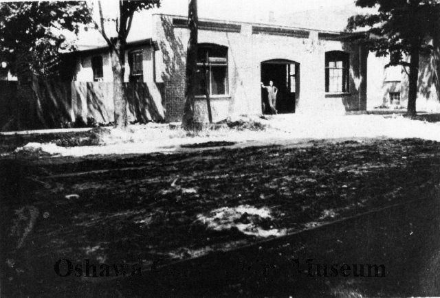 Front view of Bales Garage, c. 1915.  26 Athol Street West.