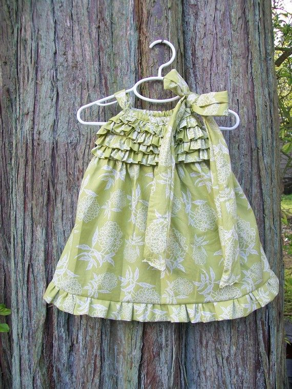 Ruffles on a pillowcase dress bodice. cute way to dress up a basic pattern & 1034 best Pillowcase dress images on Pinterest | Pillowcases ... pillowsntoast.com