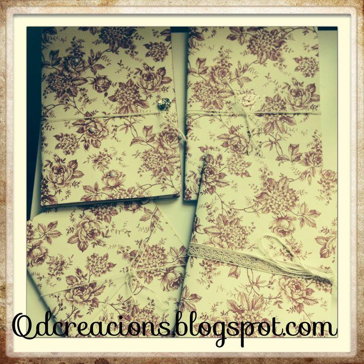 Libretas con papel de scrap de rosas(Sant Jordi). Hechas desde 0, interior de cartón y con bolsillos