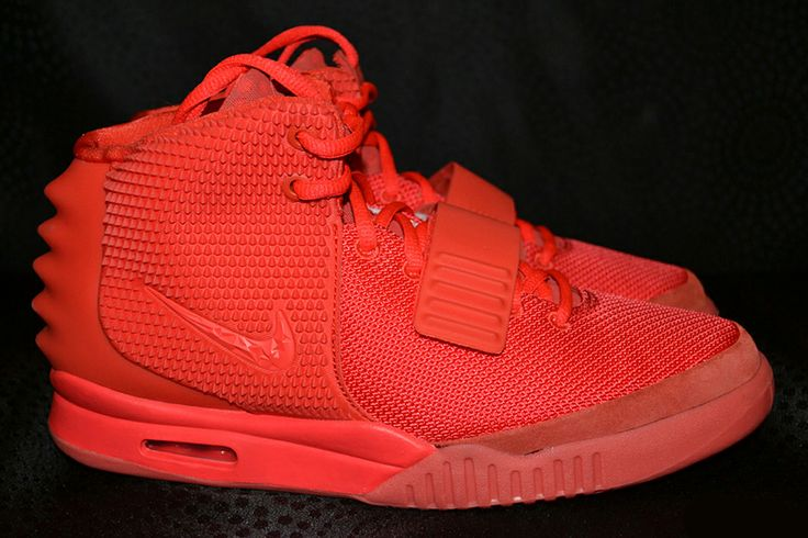 a-detailed-look-at-the-nike-air-yeezy-2-red-october-1