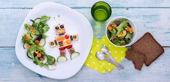 Tartine robot. Per leggere la ricetta: http://myhome.bormioliroccocasa.it/myhome/it/home/spazio-alle-idee/mani-in-pasta/tartine-robot.html