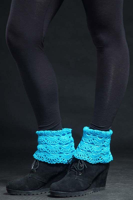 Návleky na nohy tyrkysové 140303 Návleky na nohy jsou uháčkovány krásným krajkovým vzorem z bavlněné příze. Dají se nosit do kozaček - přeložené nebo povytáhlé, a to ksukni i džínám nebo ke kotníčkovým botům, ale i kletním otevřeným - to ty extravagantní zvás... Délka - 25 cm Toto zboží se báječně hodí k: Svetr ...