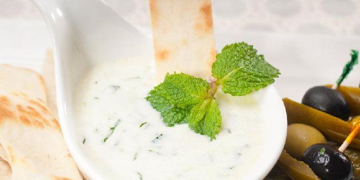 Raita - Lindrende og smaksrik indisk yoghurtsaus.