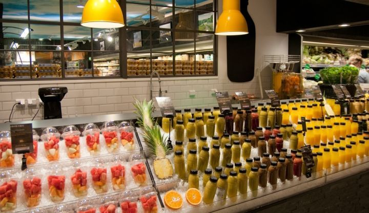 This Juice Bar Reduces Fruit Waste in This Stockholm Supermarket #food trendhunter.com